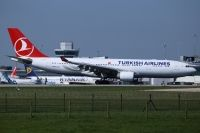 Photo: Turkish Airlines THY, Airbus A330-200, TC-JIT