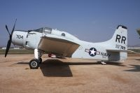 Photo: United States Navy, Douglas A-1 Skyraider, 132789