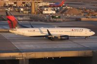 Photo: Delta Air Lines, Boeing 737-800, N3749D