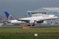 Photo: United Airlines, Boeing 757-200, N17133