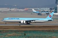 Photo: Korean Air, Boeing 777-300, HL7784