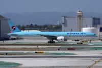 Photo: Korean Air, Boeing 777-300, HL7782