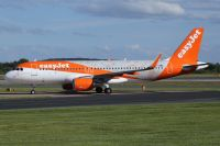 Photo: EasyJet Airline, Airbus A320, G-EZOX