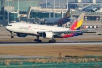 Photo: Asiana Airlines, Boeing 777-200, HL8254