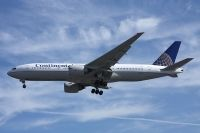Photo: Continental Airlines, Boeing 777-200, N78002