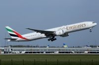 Photo: Emirates, Boeing 777-300, A6-ECN
