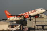 Photo: EasyJet Airline, Airbus A320, G-EZWU
