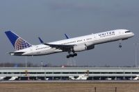 Photo: United Airlines, Boeing 757-200, N33103