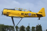 Photo: Royal Canadian Air Force, North American Harvard, 20370
