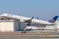 Photo: United Airlines, Boeing 757-300, N77867