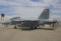 Photo: United States Navy, McDonnell Douglas F-18 Hornet, 166464