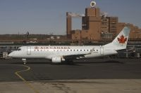 Photo: Air Canada, Embraer EMB-170, C-FEKS