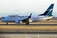 Photo: WestJet, Boeing 737-700, C-GWSH