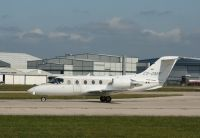 Photo: NetJets, Raytheon Hawker 400XP, CS-DMB