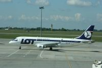 Photo: LOT - Polish Airlines / Polskie Linie Lotnicze, Embraer EMB-175, SP-LIO