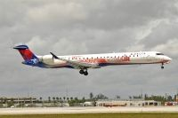 Photo: Delta Connection, Canadair CRJ Regional Jet, N695CA