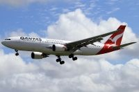 Photo: Qantas, Airbus A330-200, VH-EBC