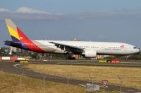 Photo: Asiana Airlines, Boeing 777-200, HL7500