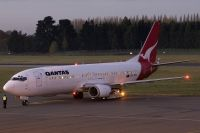 Photo: Qantas, Boeing 737-400, ZK-JTQ