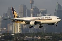 Photo: Singapore Airlines, Boeing 777-200, 9V-SVB