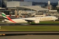 Photo: Emirates, Boeing 777-300, A6-ECT