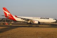 Photo: Qantas, Airbus A330-200, VH-EBM